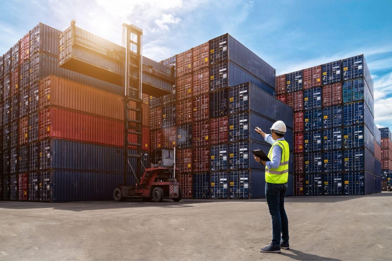 Travailler dans l'import_export