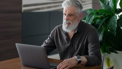 Reconversion à 50ans: Comment changer de métier à la cinquantaine?